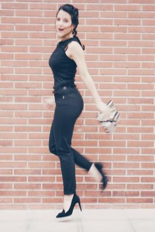 look outfit total black negro stiletto dorado marrón beige trendy two trendytwo carmen marta gemelas conjunto elegante 5