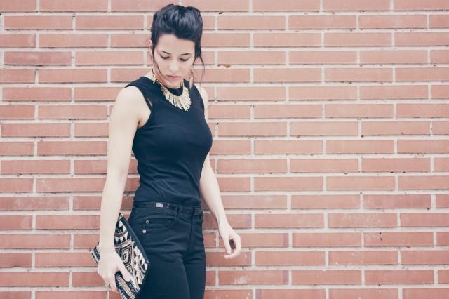 look outfit total black negro stiletto dorado marrón beige trendy two trendytwo carmen marta gemelas conjunto elegante 8