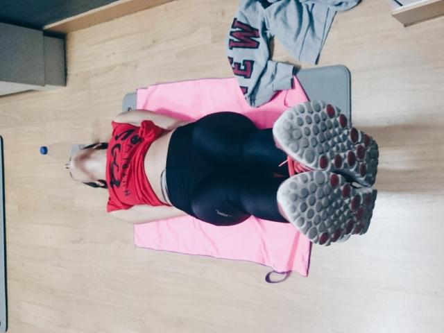 girl gym gimnasio deporte sport abdominales glúteos piernas brazos vientre plano definido chica gemela blog blogger fashion fashionblogger fitness fit healthy eatclean trendy two