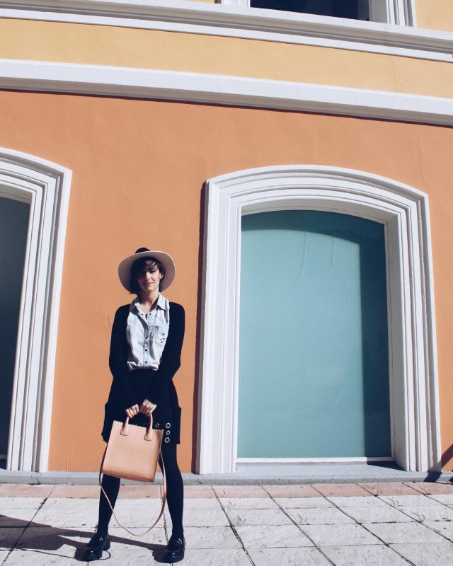 trendy two blog blogger ante antelina falda tendencia outfit look moda fashion girl chia mujer sombrero gemela gemelas carmen marta blogueras