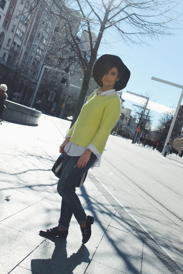 moda low cost trendy two blog carmen marta gemelas blogger blog outfit tendencia look sombrero cómodo barato verde lima amarillo fashion bloguera blogueras