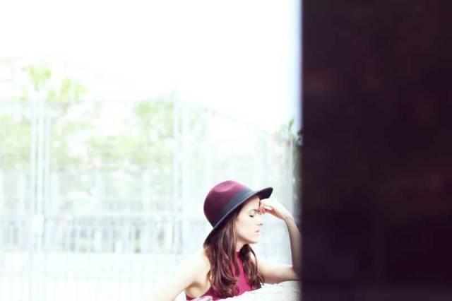 look-sencillo-low-cost-económico-camiseta-palazzo-trendytwo-trendy-two-carmen-marta-gemelas-sombrero-moda-blog-5
